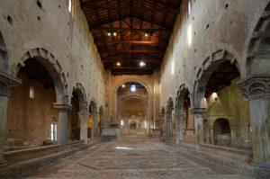 Da-non-perdere-Chiesa-di-San-Pietro-la-navata-TuscaniaInfo.it