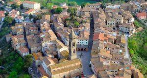 Luoghi da visitare Parte del centro storico vista dall'alto.- Tuscania